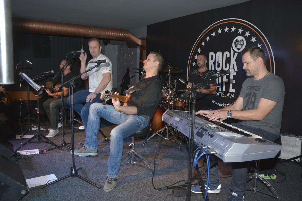 11-11 3.krst Rock Cafe BA 02